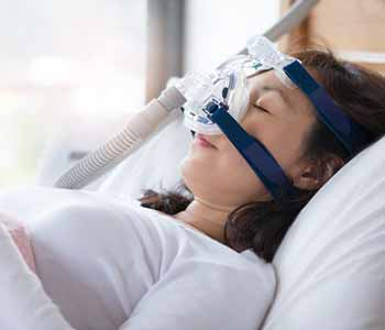 Discuss treatments for snoring sleep apnea with Centerville, OH area dentist