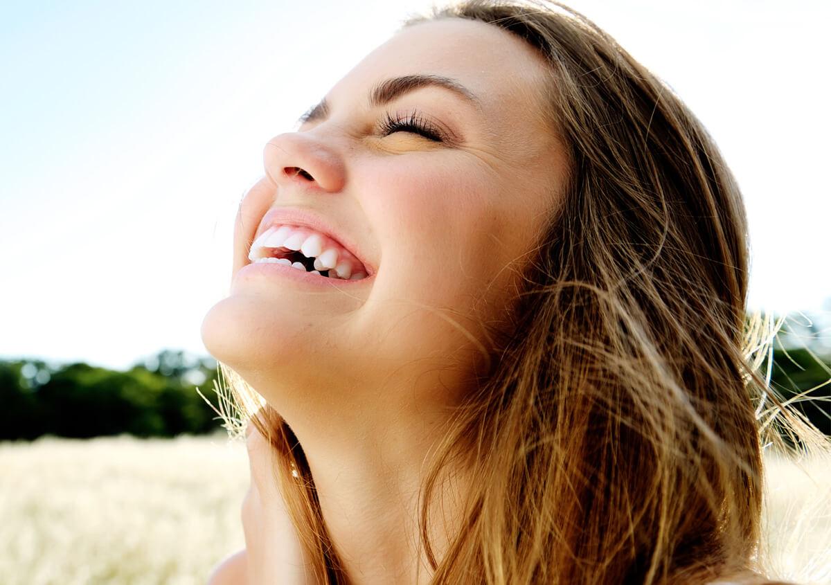 Smile even after dental dental extraction